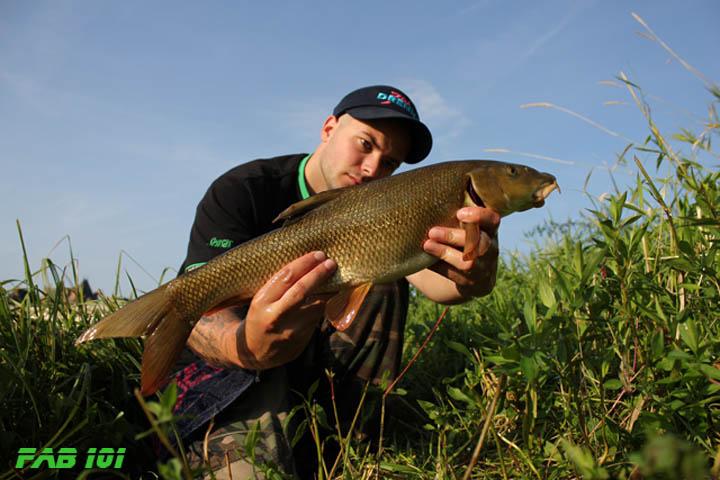 Matinée pêche au coup en Loire 2010
