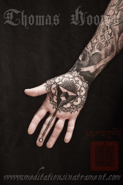 Freaky hand tattoo mandalas from New York City! Skull-10
