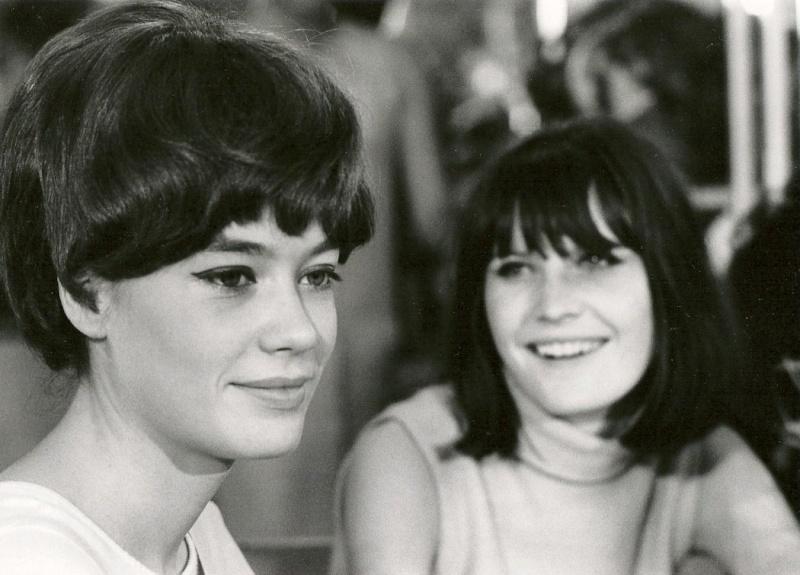 Les coiffures de Françoise Hardy - Page 2 Sandie11