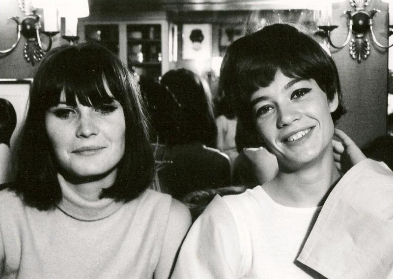 Les coiffures de Françoise Hardy - Page 3 Sandie12