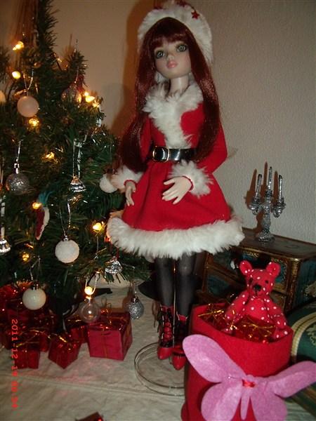 """13 - THEME PHOTO DU MOIS: Décembre 2011  """"NOEL ... ses préparatifs, la fête , le Père NOEL , les cadeaux"""" - Page 2 Gedc0515"""