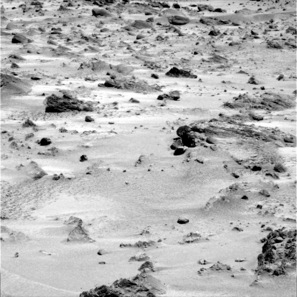 Mars - Lander and Rover Images 2p181410