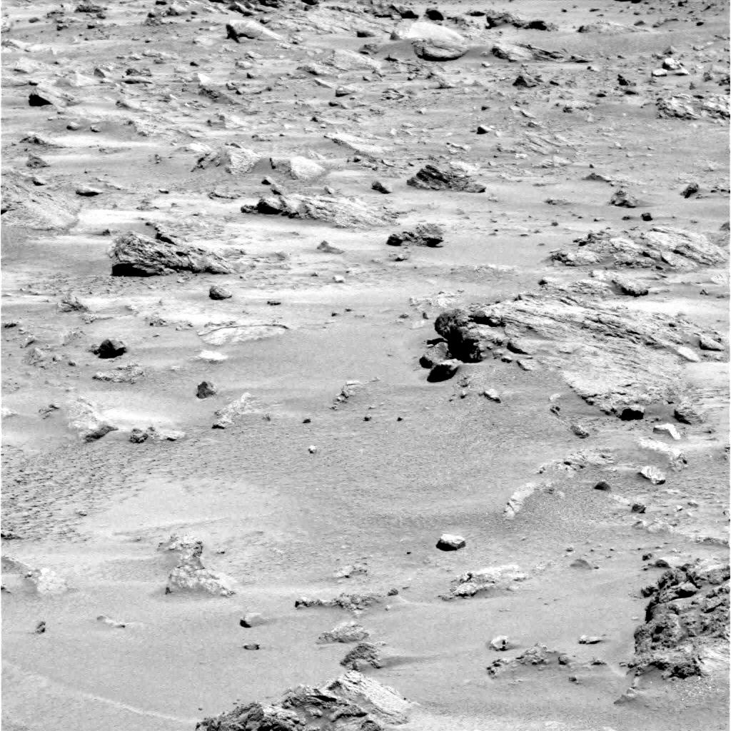 Mars - Lander and Rover Images 2p181411