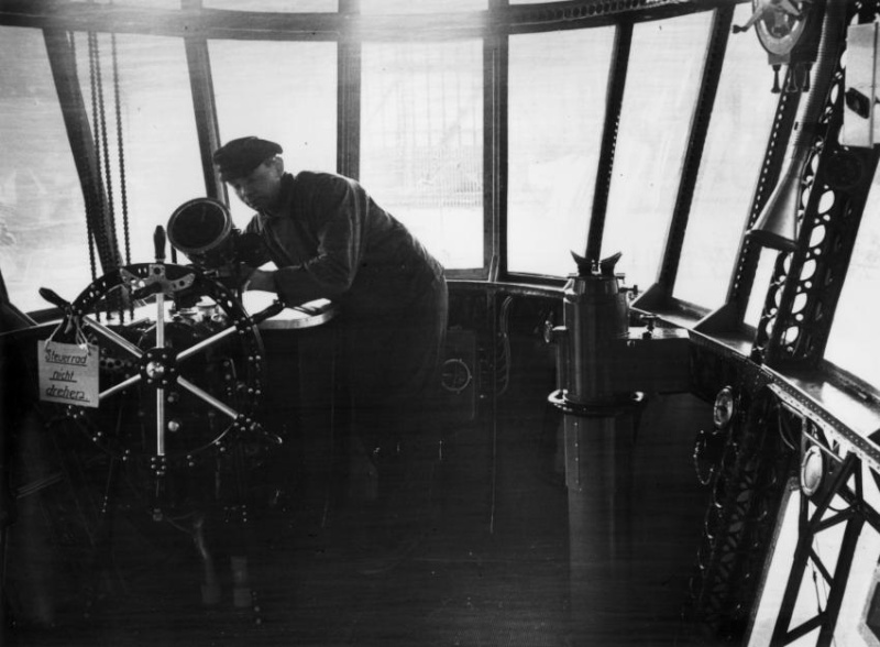 Le Hindenburg LZ 129  1115