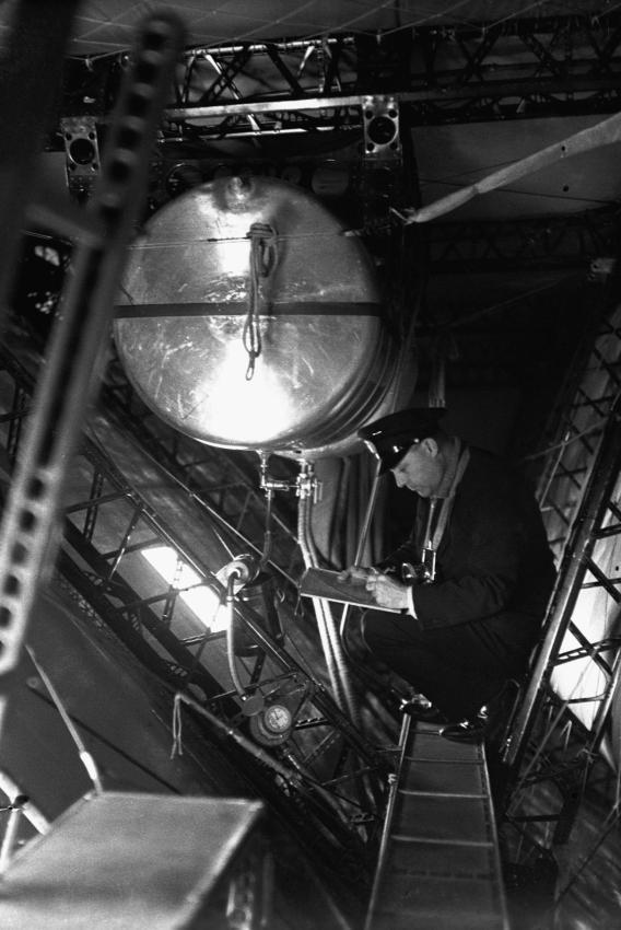 Le Hindenburg LZ 129  1213