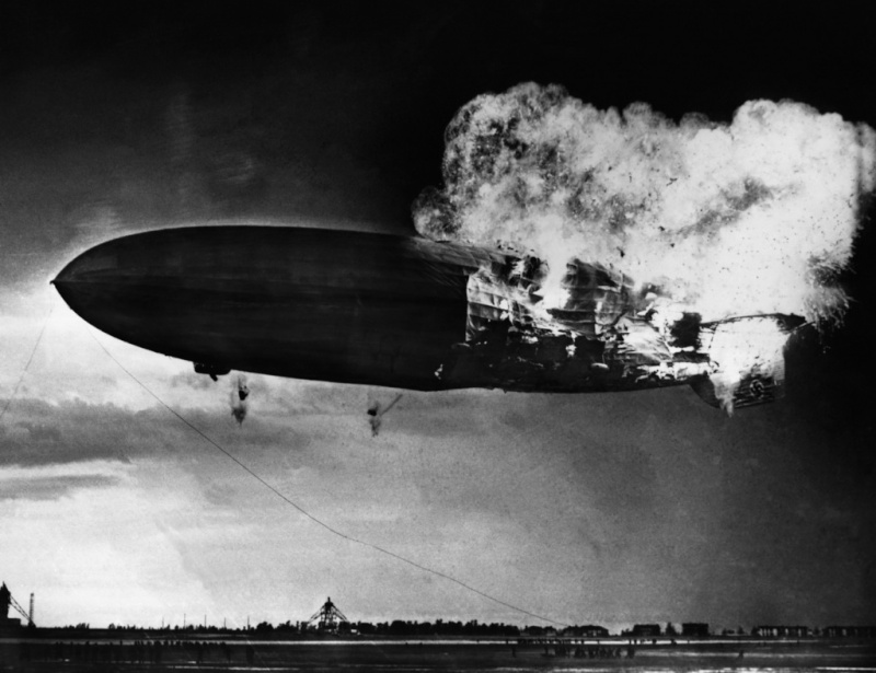Le Hindenburg LZ 129  2211
