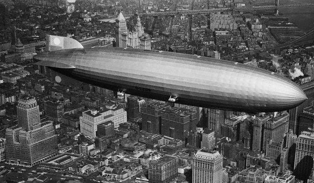 Le Hindenburg LZ 129  2411