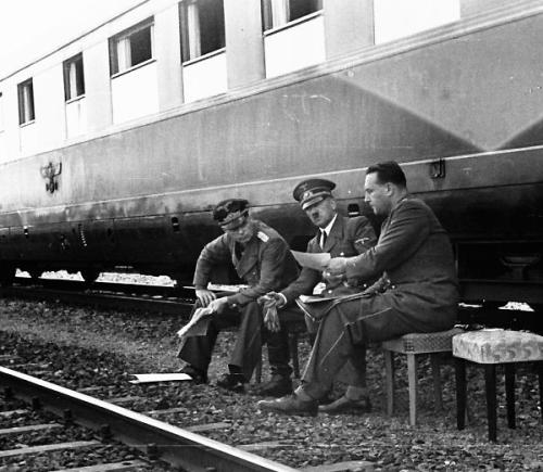 Amerika    Le train de Hitler 54984d10
