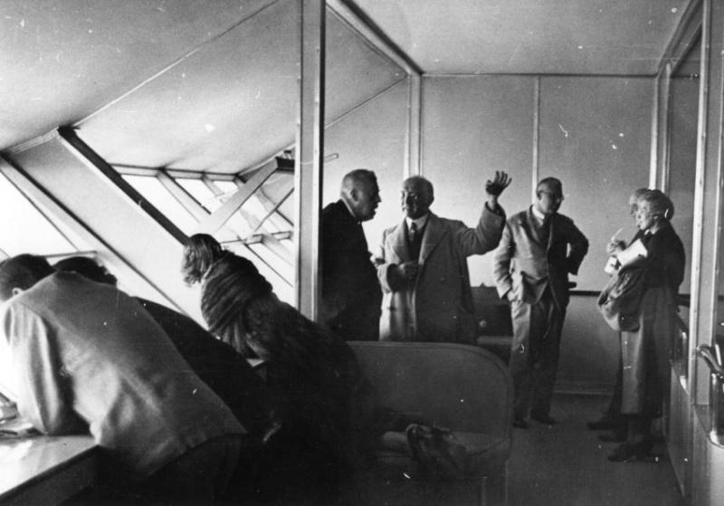 Le Hindenburg LZ 129  917