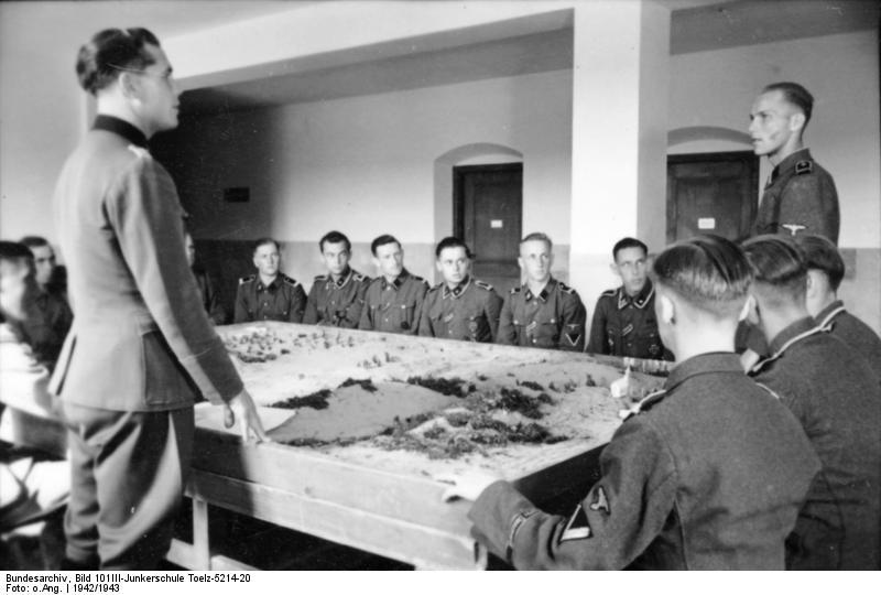 SS Junkerschule Les ecoles des officiers de la SS Bundes50