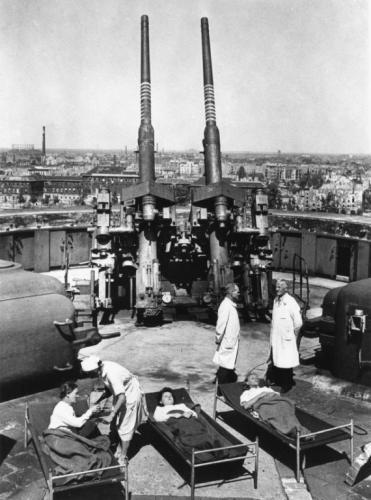 Les Flakturm (tour de la DCA),Les bunkers unique au monde Feb_4510