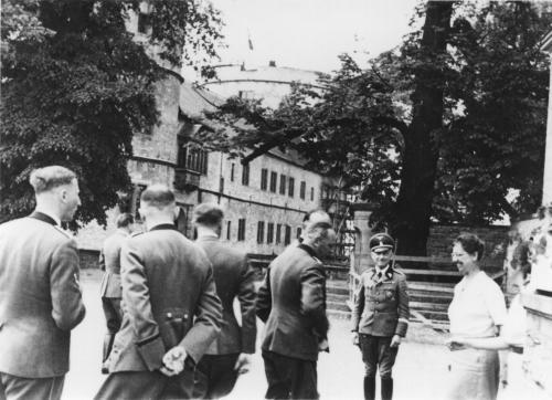 La Wewelsburg  Centre Spirituelle de la SS Gruppe11