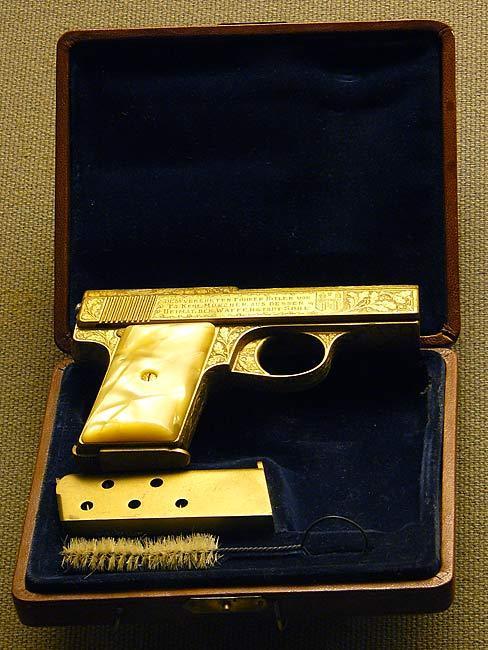 Les armes de Adolf Hitler Gun211