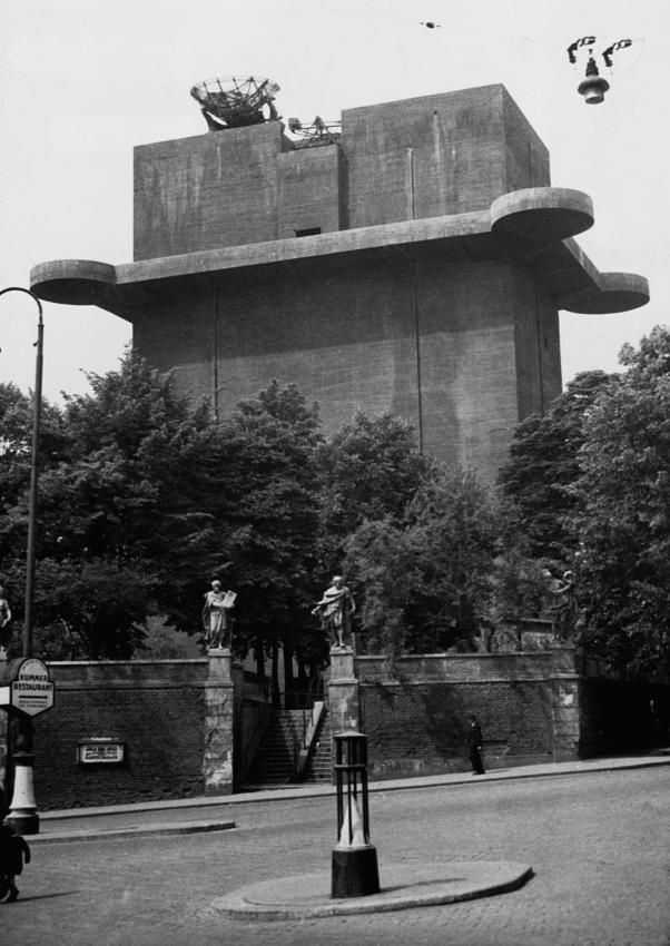 Les Flakturm (tour de la DCA),Les bunkers unique au monde Leittu10