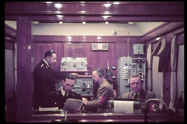 Amerika    Le train de Hitler Radio10