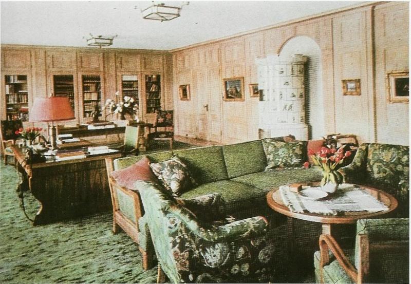 Le Berghof   Residence du Fuehrer Study10