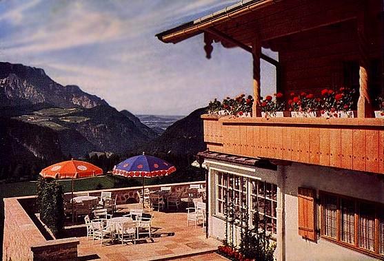 Le Berghof   Residence du Fuehrer Terras10