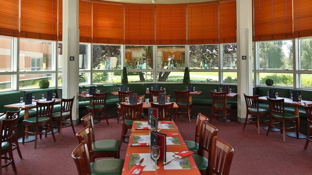 Club House Grill N0151910