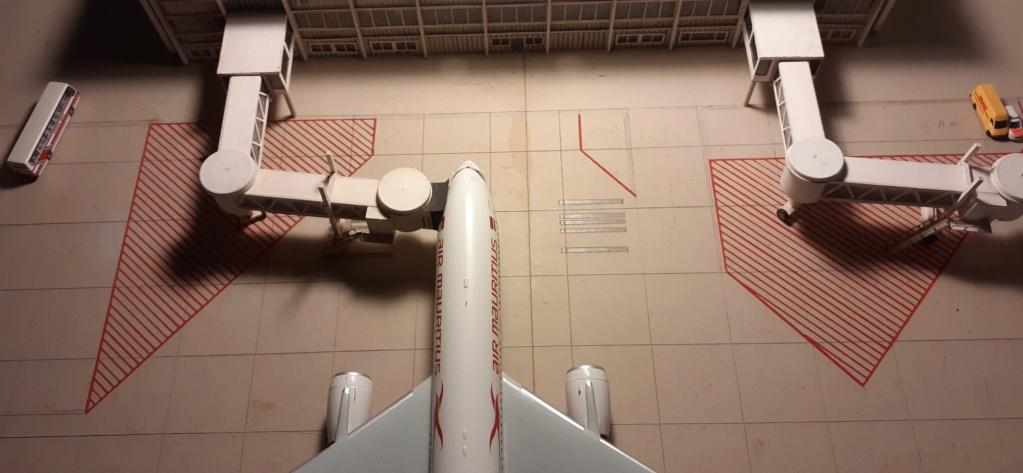 Réalisation de la maquette 1/144 d' un aéroport international (scratch) - Page 17 20200137