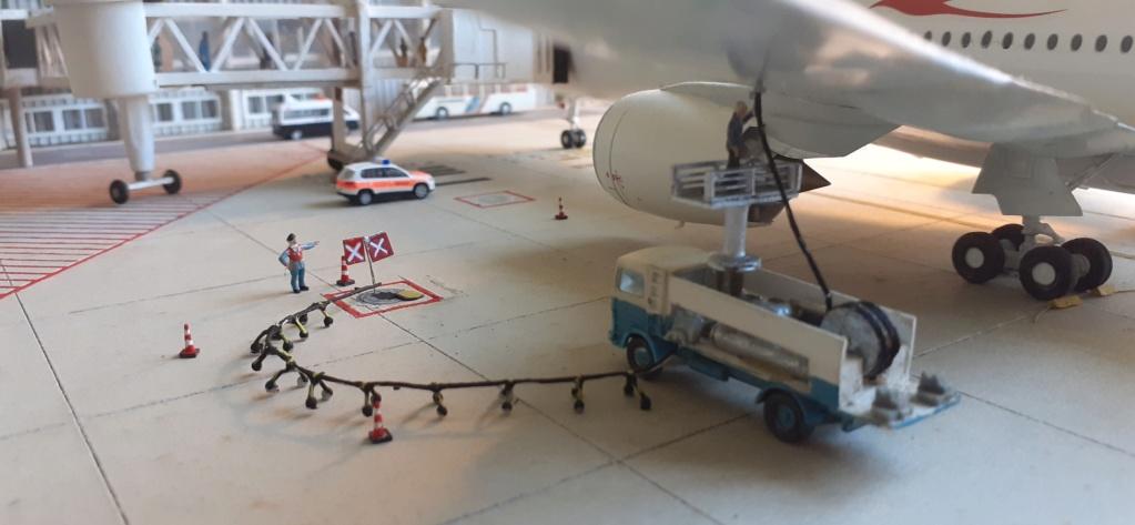 Réalisation de la maquette 1/144 d' un aéroport international (scratch) - Page 18 20200259