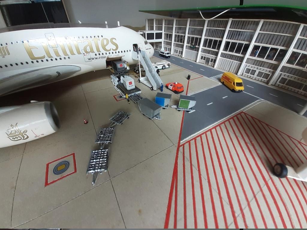 Réalisation de la maquette 1/144 d' un aéroport international (scratch) - Page 19 20200346