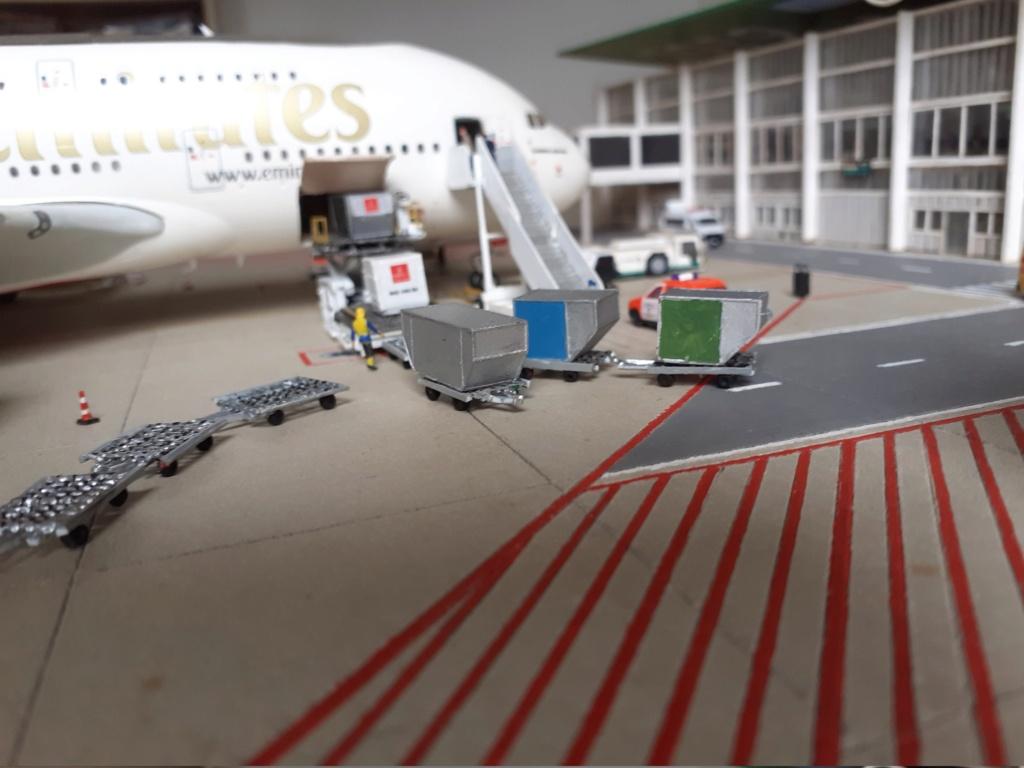 Réalisation de la maquette 1/144 d' un aéroport international (scratch) - Page 19 20200348