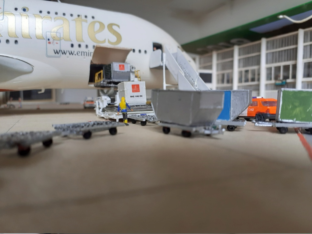 Réalisation de la maquette 1/144 d' un aéroport international (scratch) - Page 19 20200349