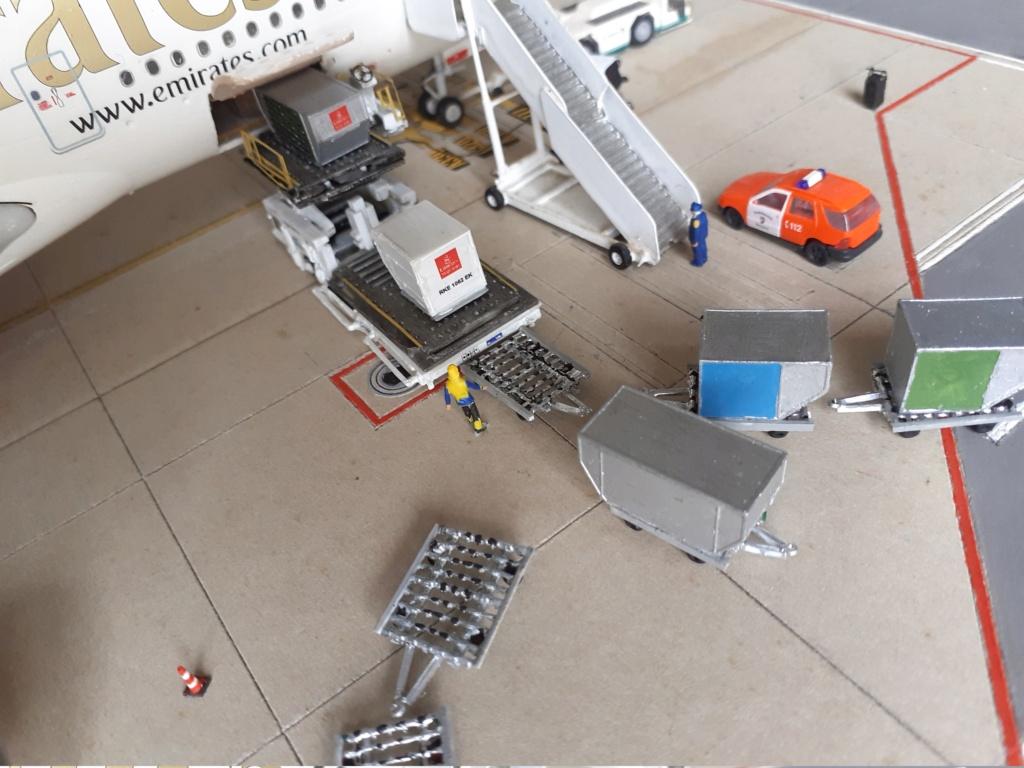Réalisation de la maquette 1/144 d' un aéroport international (scratch) - Page 19 20200352