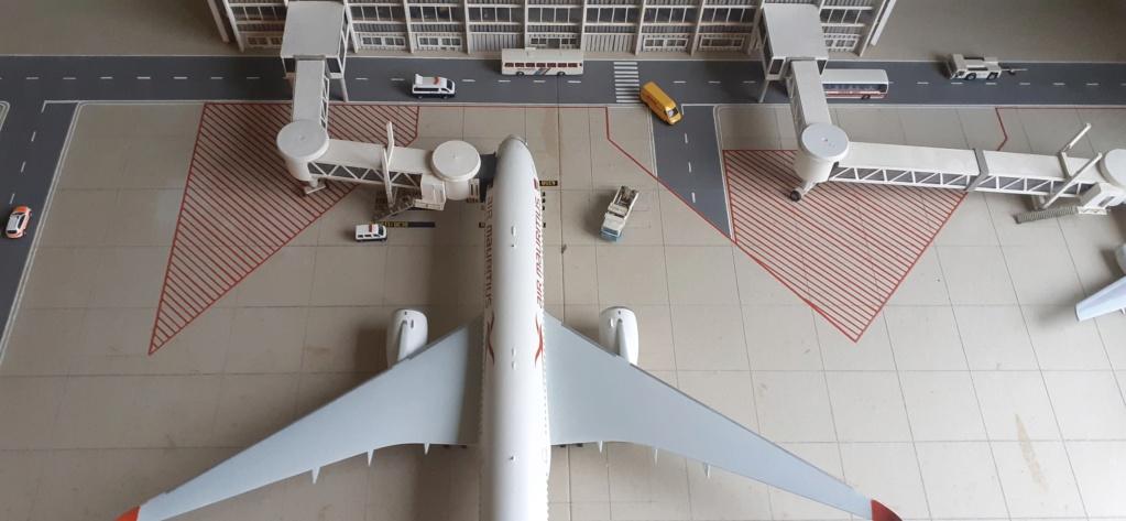 Réalisation de la maquette 1/144 d' un aéroport international (scratch) - Page 18 20200737