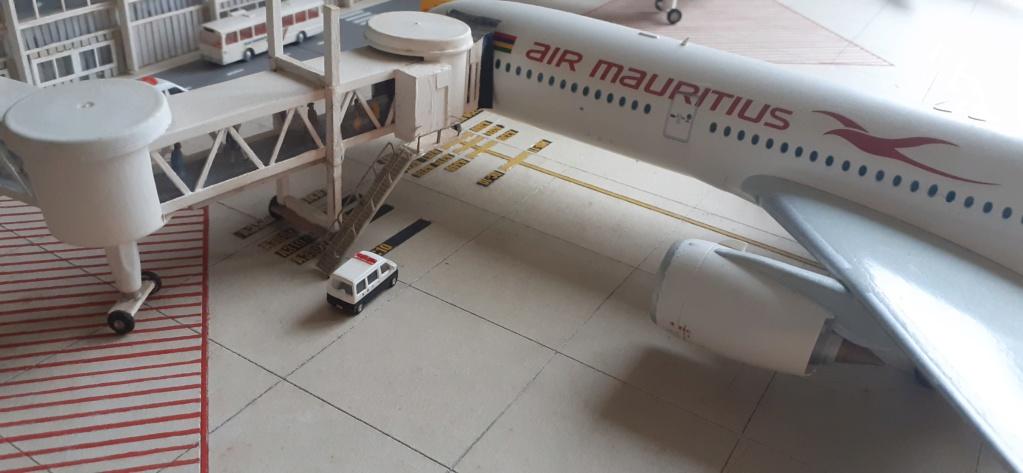 Réalisation de la maquette 1/144 d' un aéroport international (scratch) - Page 18 20200739