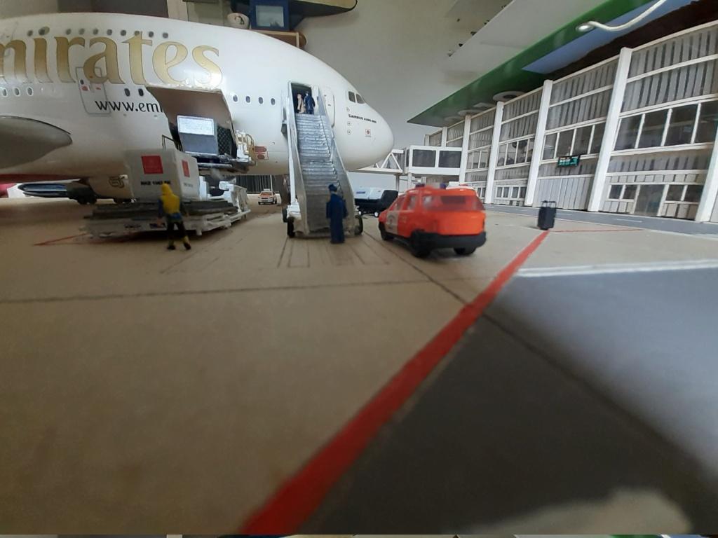 Réalisation de la maquette 1/144 d' un aéroport international (scratch) - Page 19 20200857