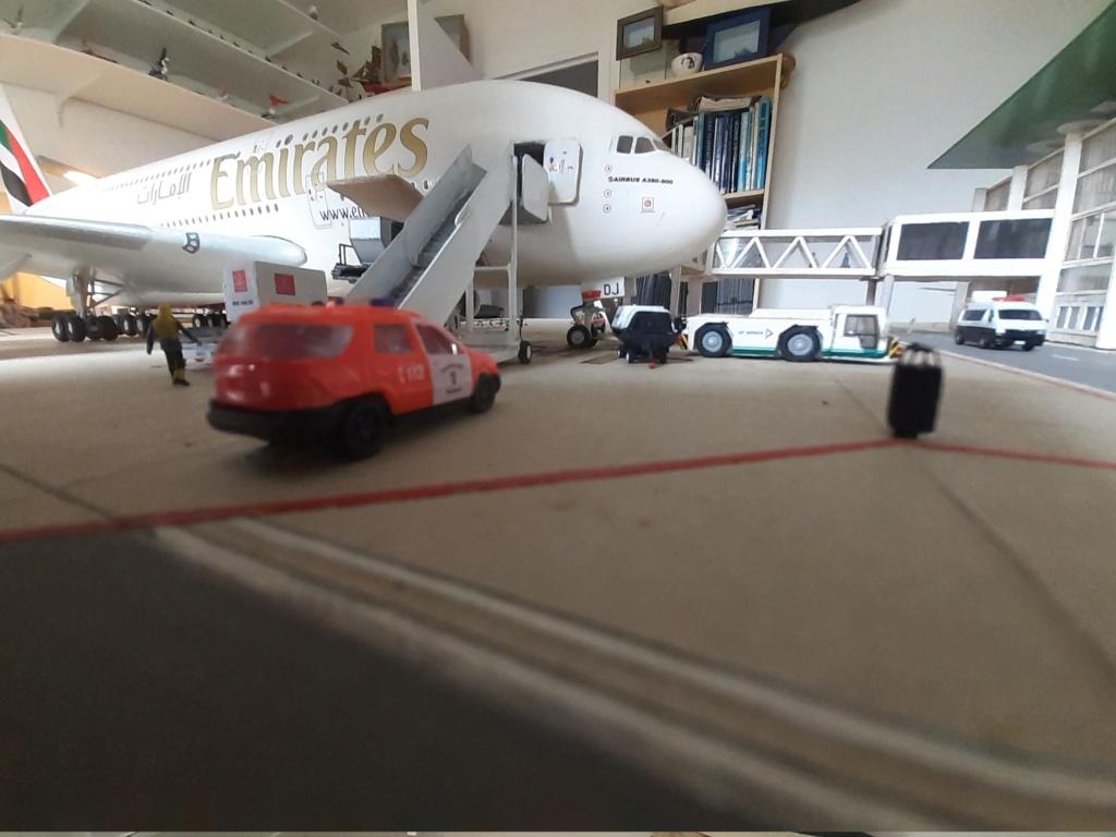 Réalisation de la maquette 1/144 d' un aéroport international (scratch) - Page 19 20200858