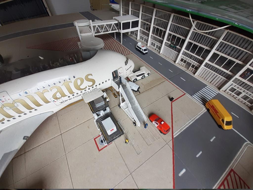Réalisation de la maquette 1/144 d' un aéroport international (scratch) - Page 19 20200859