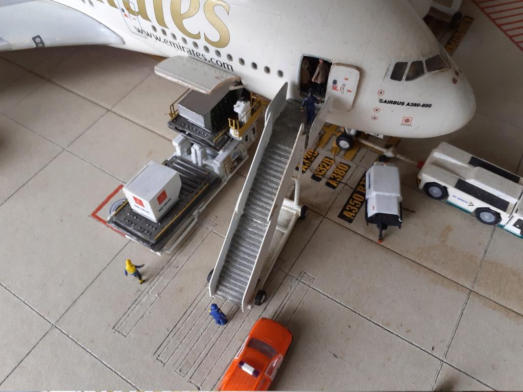 Réalisation de la maquette 1/144 d' un aéroport international (scratch) - Page 19 20200861