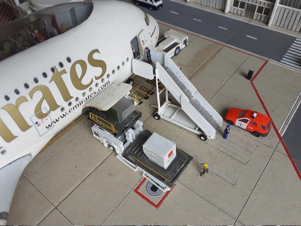 Réalisation de la maquette 1/144 d' un aéroport international (scratch) - Page 19 20200862