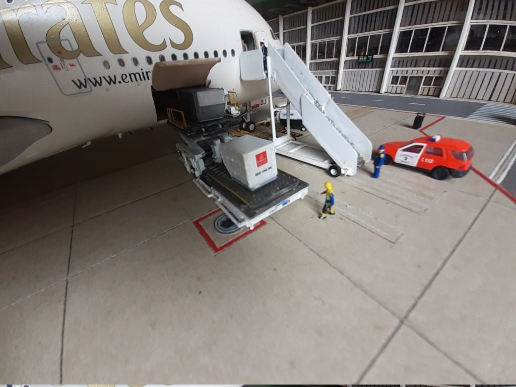 Réalisation de la maquette 1/144 d' un aéroport international (scratch) - Page 19 20200863