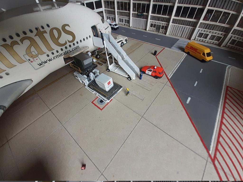 Réalisation de la maquette 1/144 d' un aéroport international (scratch) - Page 19 20200864