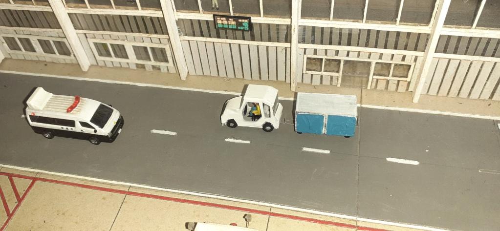Réalisation de la maquette 1/144 d' un aéroport international (scratch) - Page 19 20200953