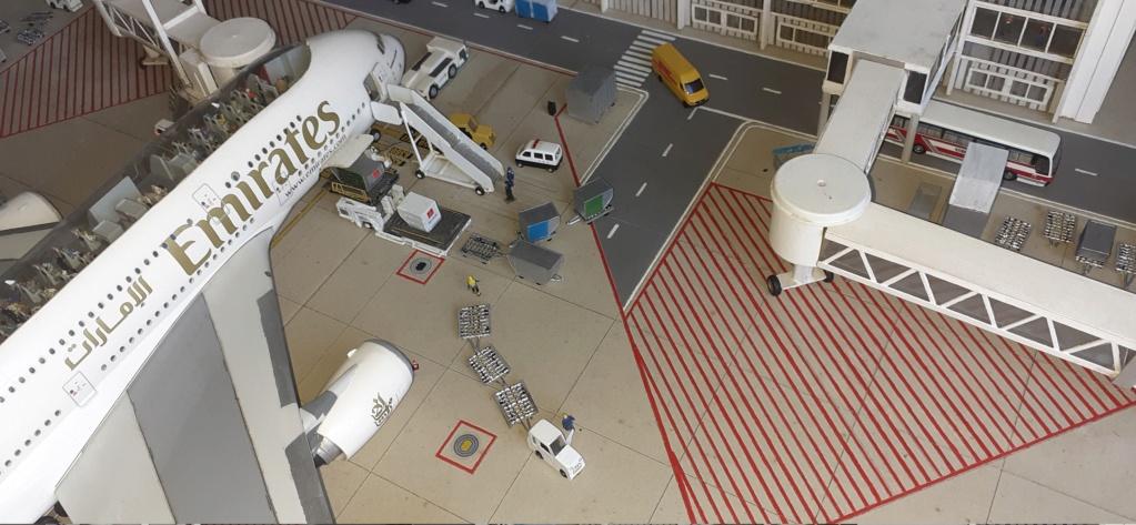 Réalisation de la maquette 1/144 d' un aéroport international (scratch) - Page 19 20200959