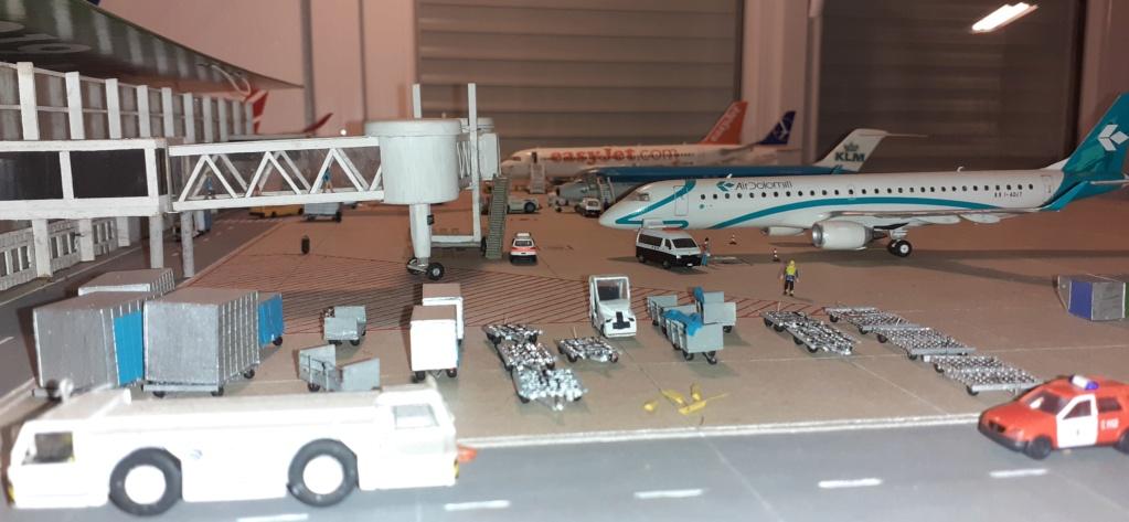 Réalisation de la maquette 1/144 d' un aéroport international (scratch) - Page 19 20200979