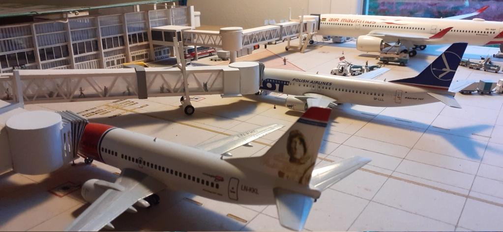 Réalisation de la maquette 1/144 d' un aéroport international (scratch) - Page 20 20201118