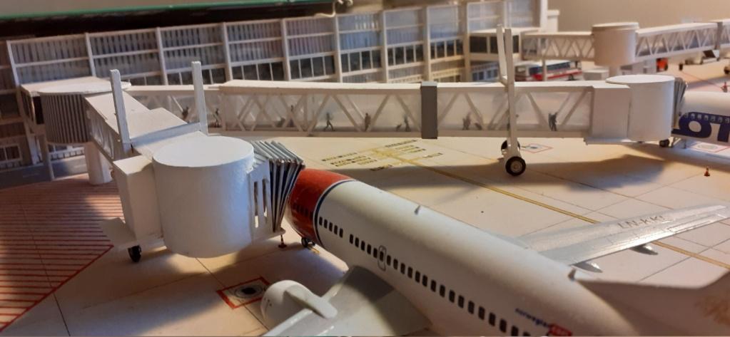Réalisation de la maquette 1/144 d' un aéroport international (scratch) - Page 20 20201119