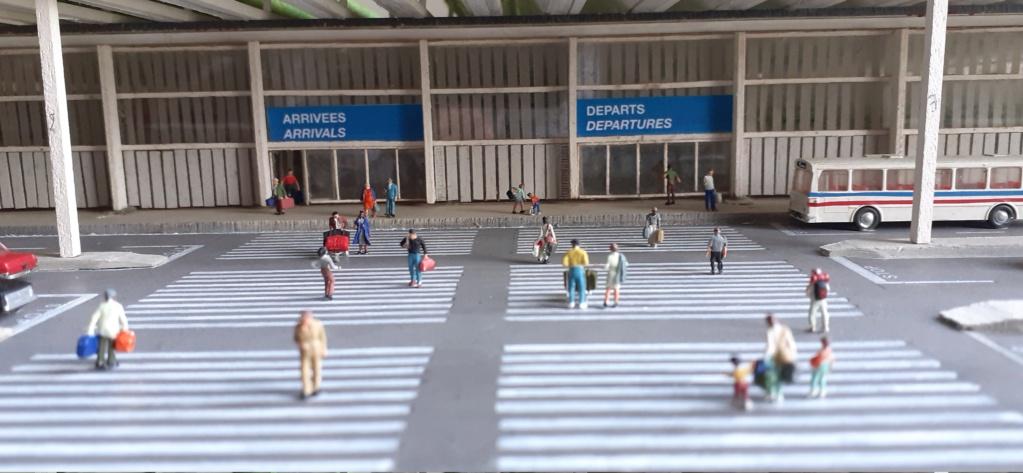 Réalisation de la maquette d'un Aéroport International (scratch) 1/144ème - Page 6 20210632