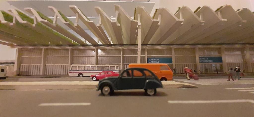 Réalisation de la maquette d'un Aéroport International (scratch) 1/144ème - Page 6 20210689