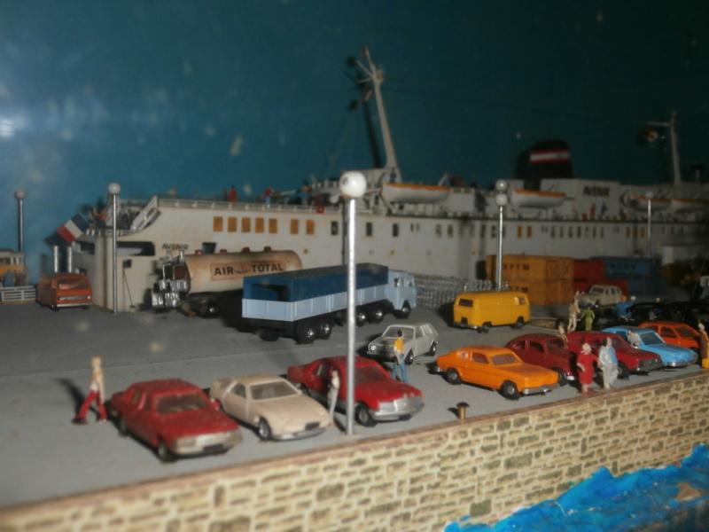 Dio : Brochette de dioramas (échelles variées) par Mille sabords P8300933