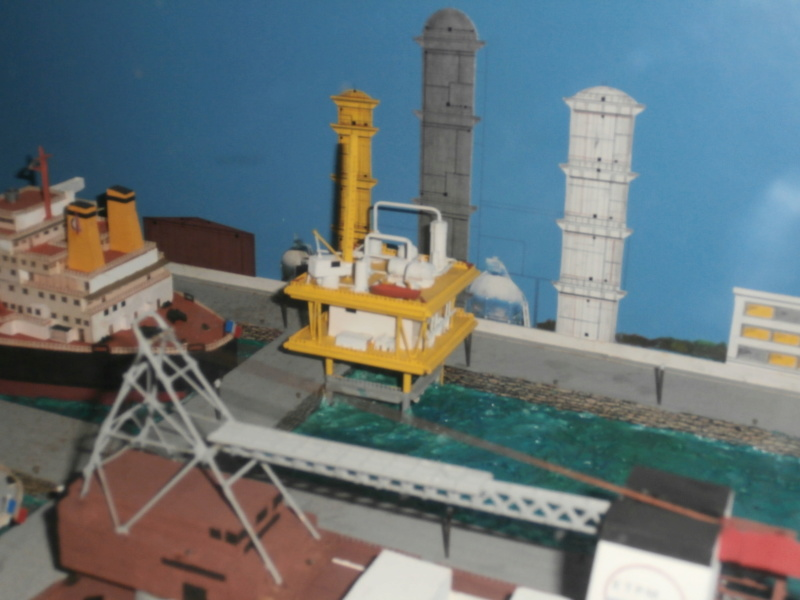 Dio : Brochette de dioramas (échelles variées) par Mille sabords P8301024