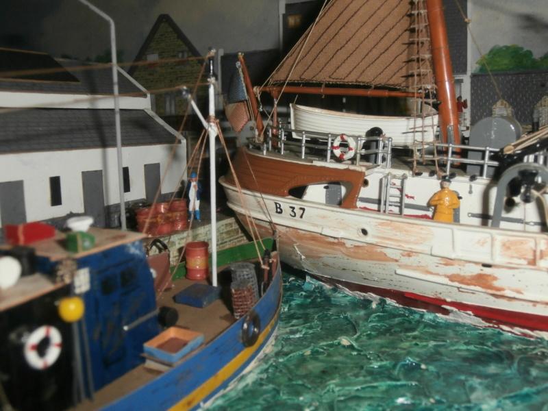 Dio : Brochette de dioramas (échelles variées) par Mille sabords P8301112