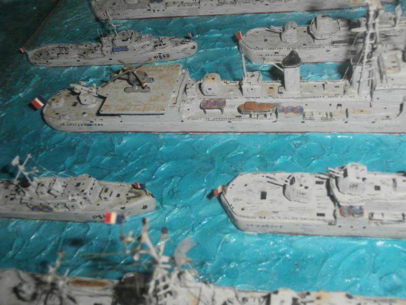 Dio : Brochette de dioramas (échelles variées) par Mille sabords P8301135