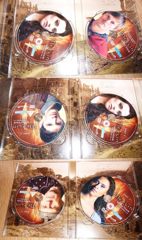 [Merlin] DVD, Soundtrack et produits dérivés - Page 2 Merlin19