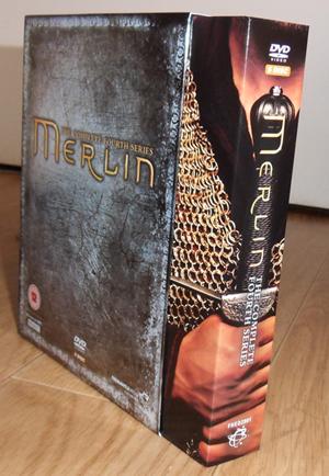 [Merlin] DVD, Soundtrack et produits dérivés - Page 2 Sdc12415